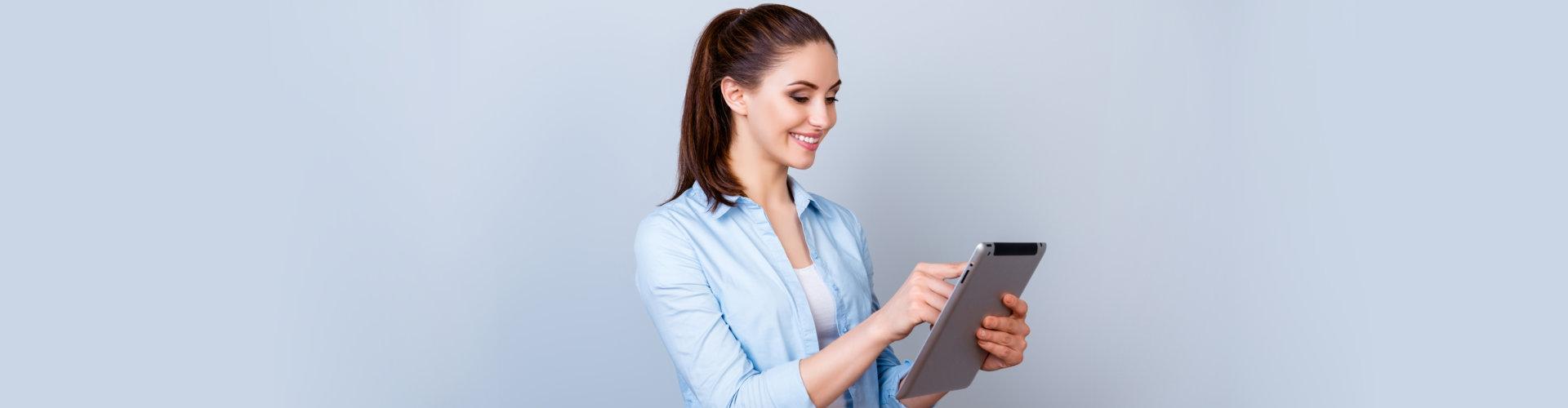 woman using her ipad